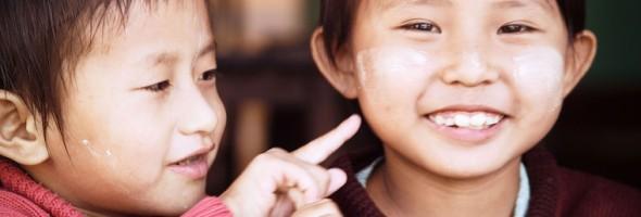L'orchestra Vivaldi suona per i piccoli del Myanmar